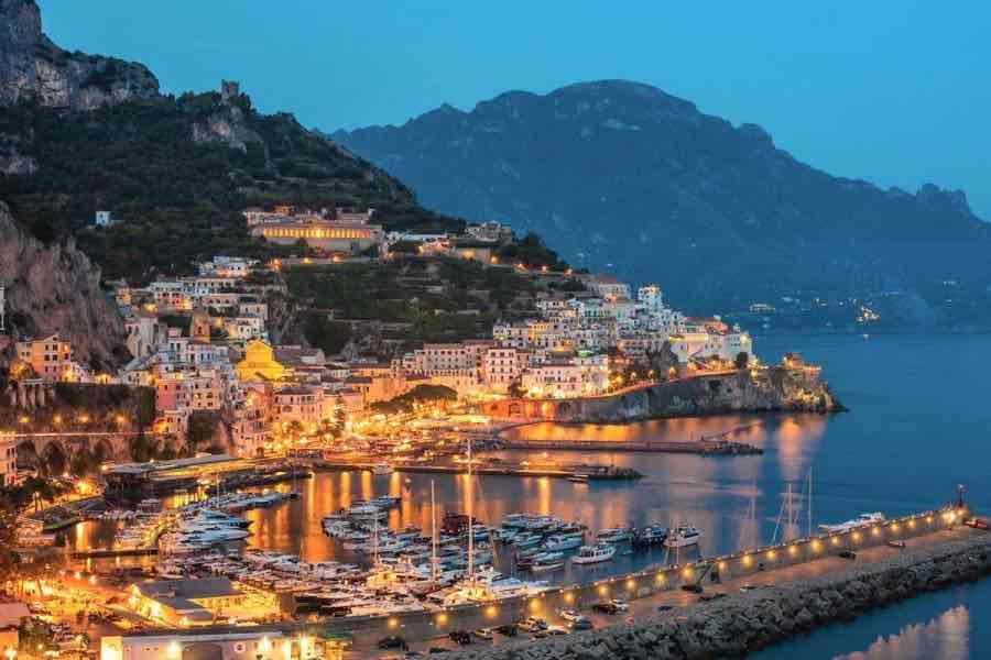 Amalfi ecco cosa vedere for Dove soggiornare a napoli